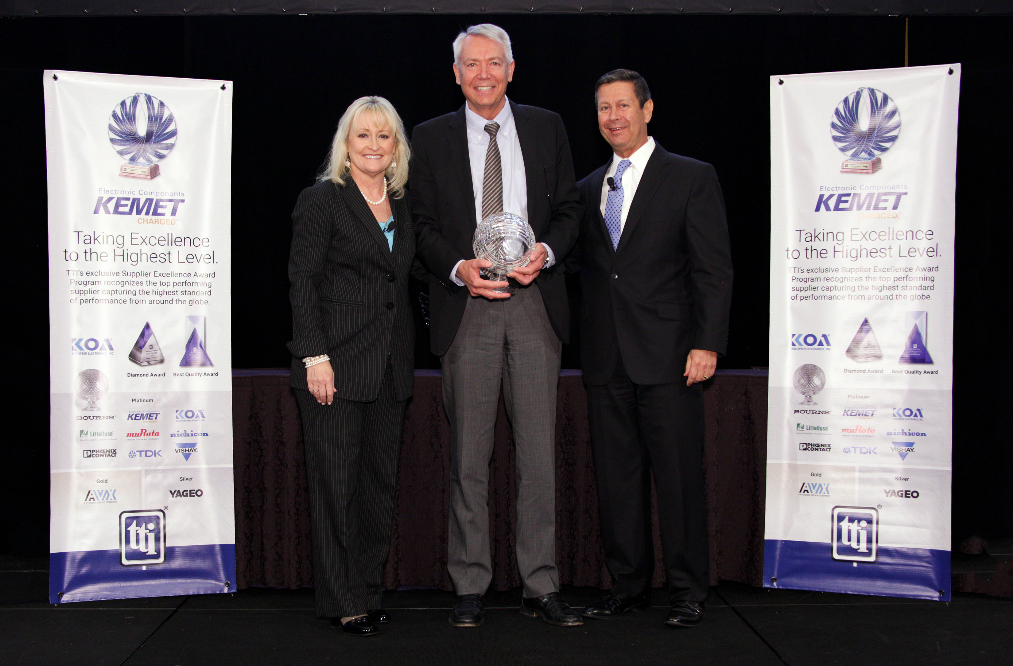 Bourns Bourns Awarded Tti 2017 Supplier Excellence Award At The