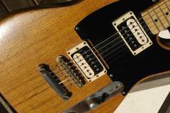 'Tele-Gib' hybrid guitar